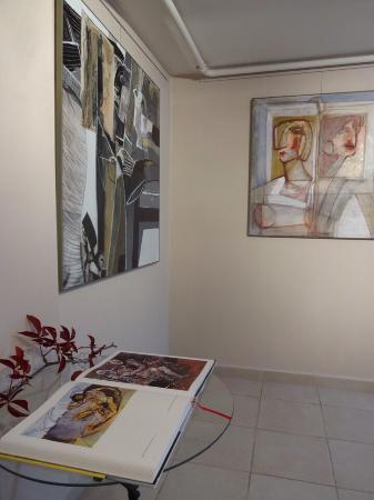 Mala Sarka Gallery