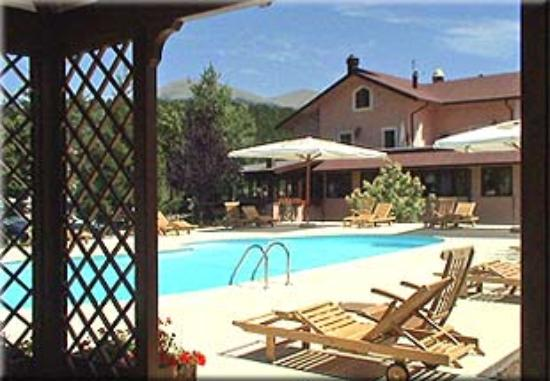 Photo of Hotel Il Bucaneve Pescasseroli