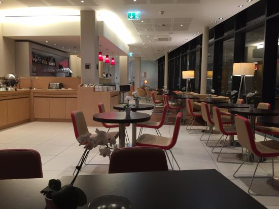 ibis Lugano Paradiso: The Bar and its atmosphere