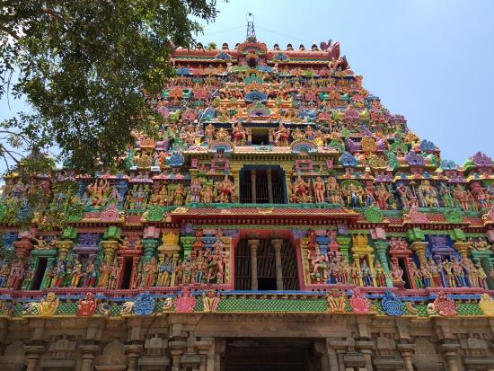Thiruvarur, India: Temple tower-East