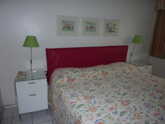 Benner, St. Thomas: beachfront suite 421