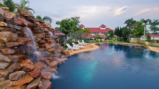 Lake Villa Resort