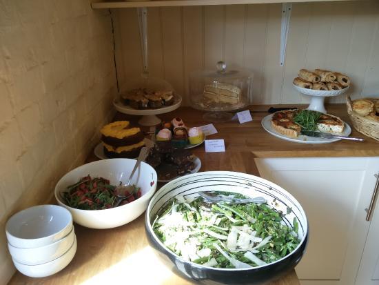 Barton, UK: great salads