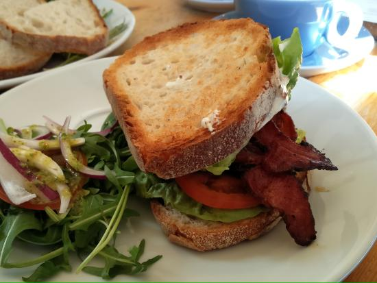 Barton, UK: Fab BLT