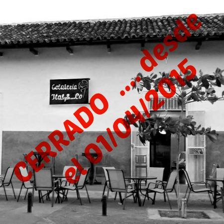 Gelateria Italy & ... Co: RESTAURANTE CERRADO