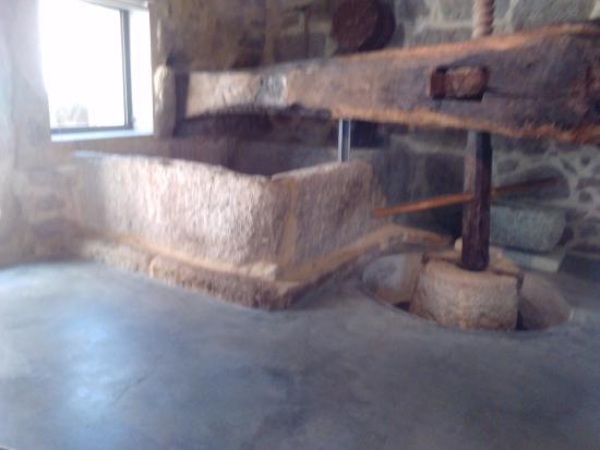 Museu Etnográfico Casa da Lavoura e Oficina do Linho
