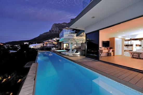 Camps Bay, Sudáfrica: Outside area