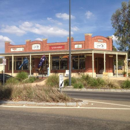 Glenrowan, ออสเตรเลีย: Facade