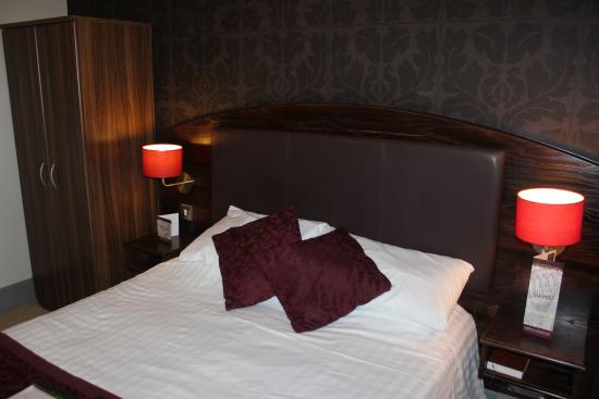 The Cathedral Hotel: Double Room