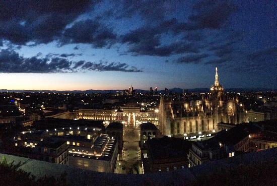 Vista sul Duomo e sulla Torre Velasca - Picture of Terrazza ...