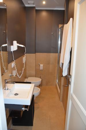 Trianon Borgo Pio Residence: Une des deux salles de bain