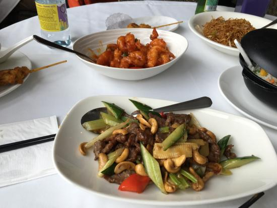 Royal China - Docklands : Very busy had to wait for a table, the staff are ok not very helpful and not moody either, langu