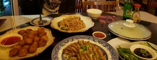 Wu's Chinese Restaurant and Sushi Express: photo1.jpg