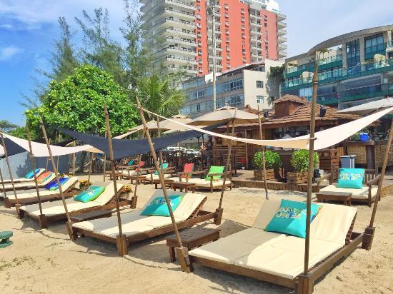Classico beach club rio de janeiro urca restaurant for Miroir club rio de janeiro