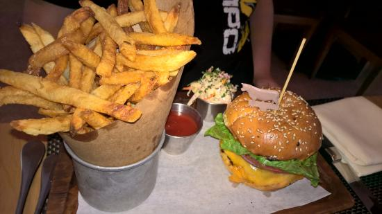 BLT Steak Miami: hamburger