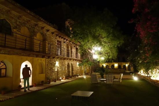 Ramathra Fort: Evening splendor
