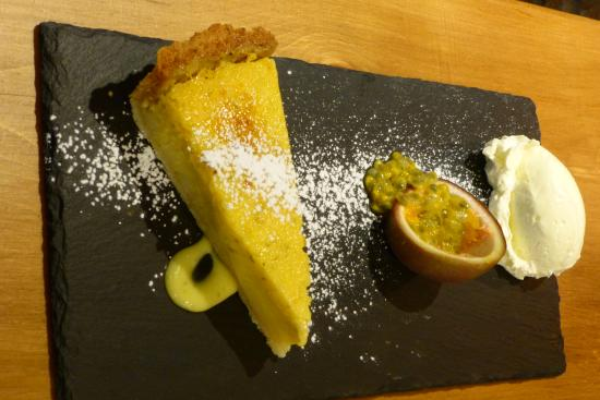 Tideswell, UK: Passionfruit tart - highly recommended!