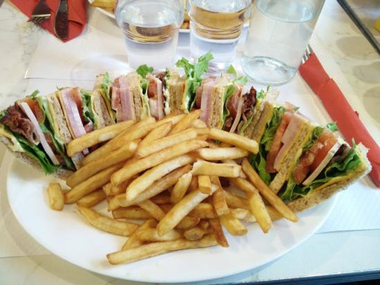 Breakfast in America: club sandwich