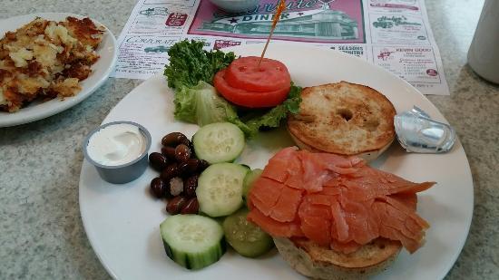 Starlite Diner & Lounge: 20160430_092833_large.jpg