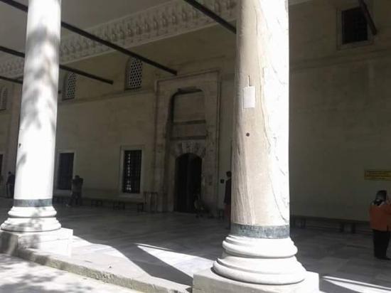 Istanbul Walks : Topkapi Palace Courtyard