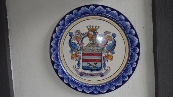 Villa Maresca: Escudo de Armas