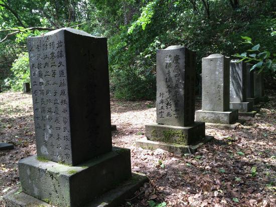 Zenryo-ji Temple Cemetery