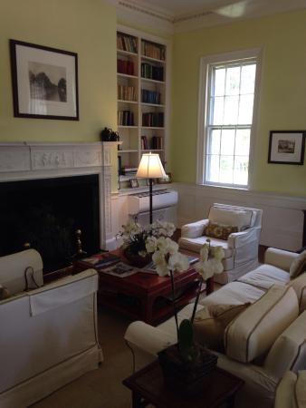 The Rhett House Inn: photo2.jpg