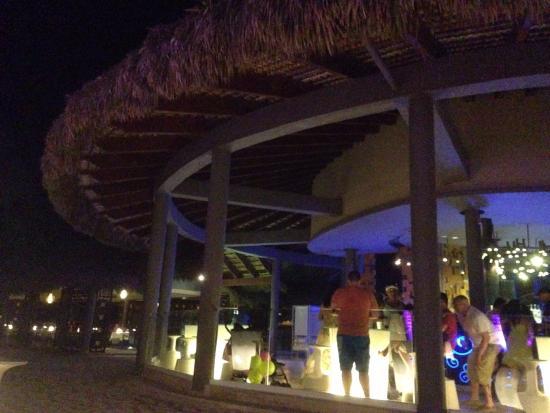 Paradisus Punta Cana: Bar en soirée sur la plage