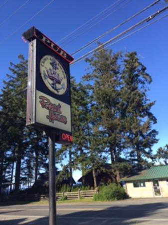 Crown & Anchor: Outdoor signage, Crown and Anchor Pub, Bowser, BC