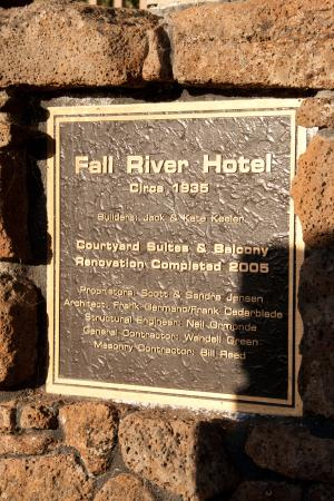 Fall River Mills, Californie : plaque