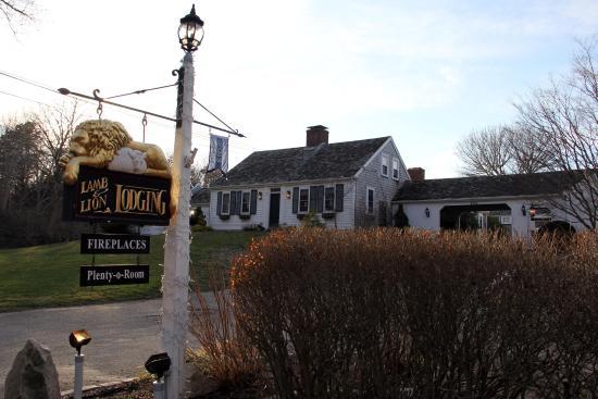 Lamb and Lion Inn : The Inn