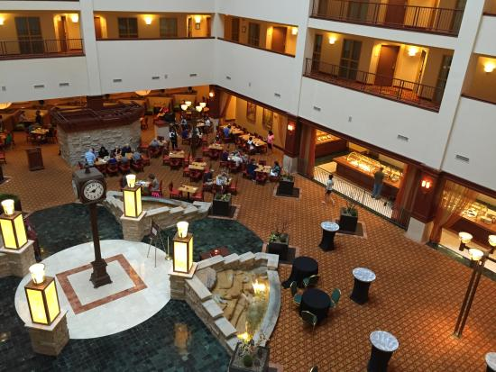 Renaissance Charlotte Suites Hotel Photo