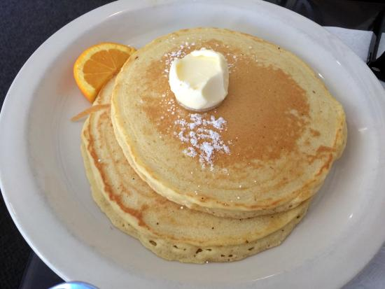 Blue Plate Diner: Great pancakes with real maple syrup