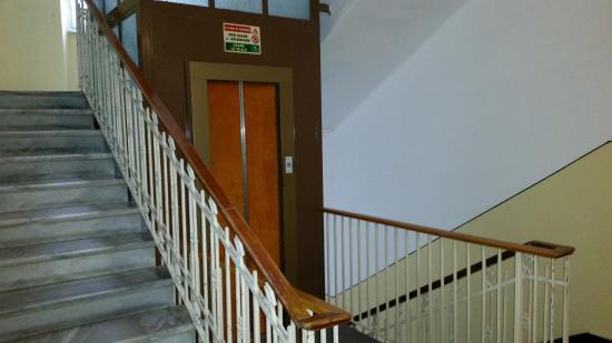 Hotel Palace: ascensore