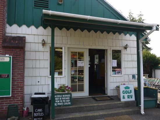 Raymond, WA: Clubhouse entrance.