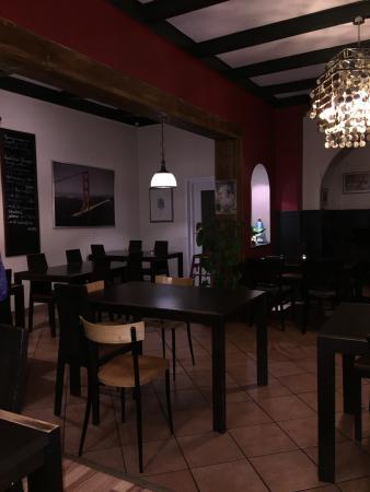 de 10 beste restaurants in de buurt van nh berlin city west. Black Bedroom Furniture Sets. Home Design Ideas