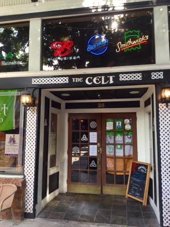 The Harp and Celt Irish Pubs and Restaurant: The outside of the Harp and Celt with one picture of inside the Celt.
