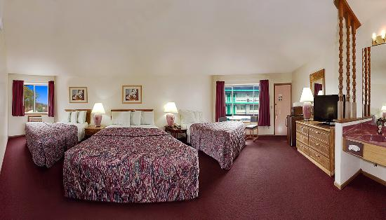 Shamrock Motel Resort & Suites: Deluxe Studio Suite