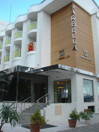Hotel Marbella: Marbella front door