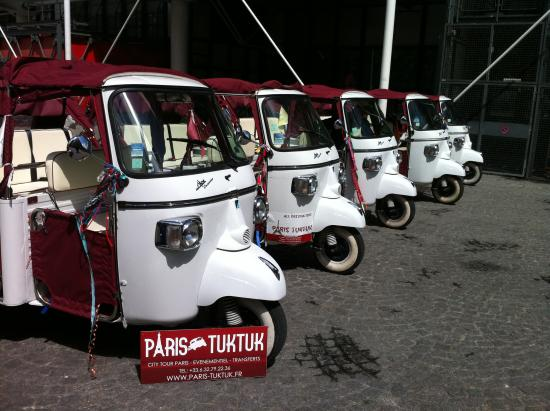 flotte paris tuk tuk picture of paris tuktuk paris. Black Bedroom Furniture Sets. Home Design Ideas