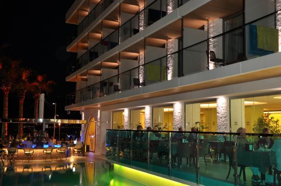 Hotel Marbella: Dinner time