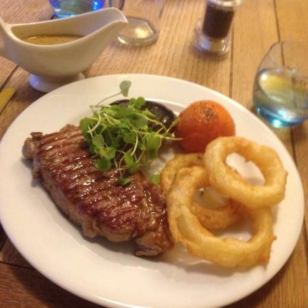 The Swan Inn: Sirloin steak and fish and chips!