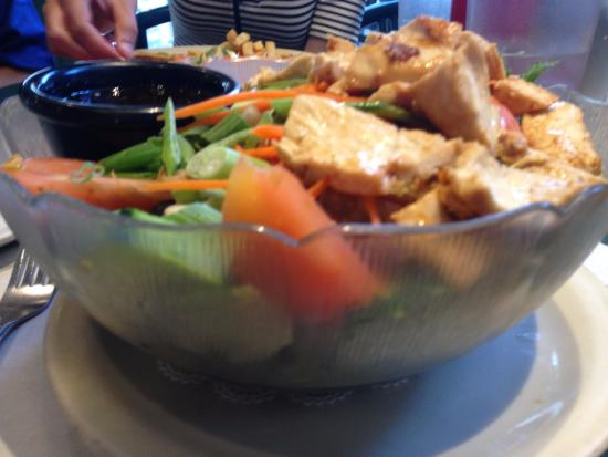 Pete's Brass Rail & Car WASH: Chinese chicken salad at Pete's