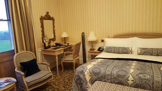 Lower Beeding, UK: South Lodge Hotel