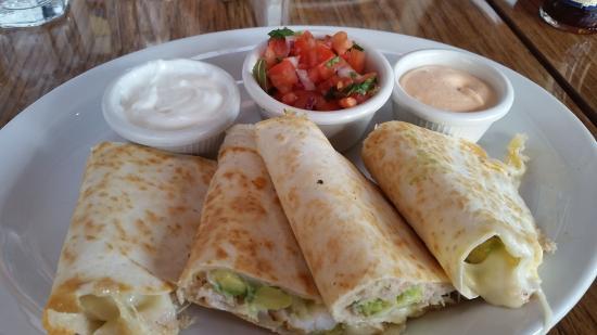 Moss Beach, Kaliforniya: seafood quesadillas with shrimp, crab, cheese and avacado