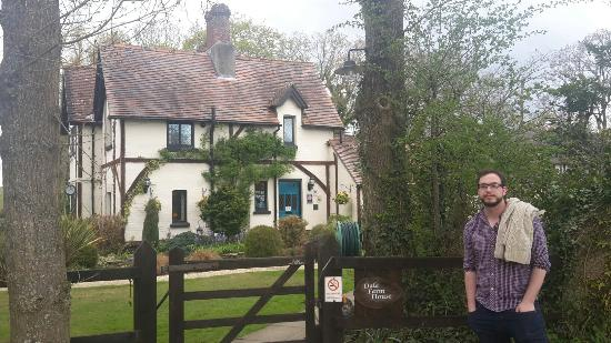 Dibden, UK: The Beautiful Dale Farm House!