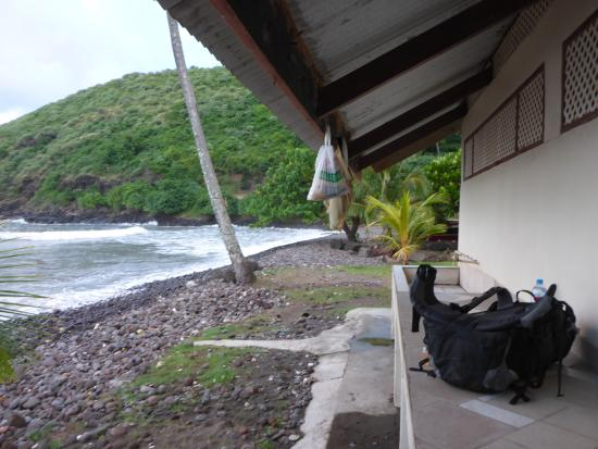 Hiva Oa, Polinésia Francesa: Beach park shelter