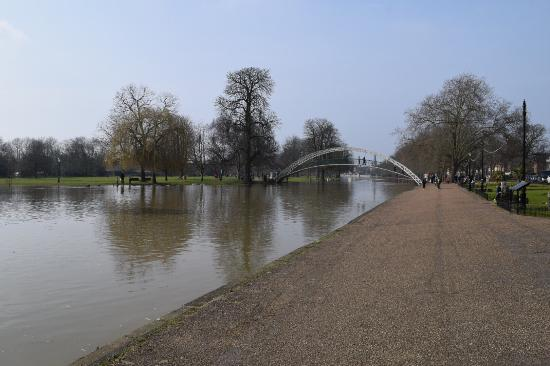 Embankment Bridge