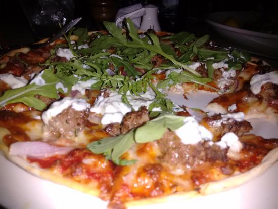 Coolum Beach, Australië: Greek style Lamb Pizza