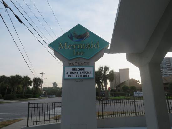The Mermaid Inn: Front of hotel